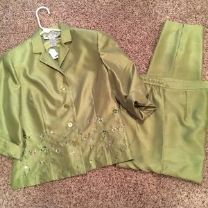 JESSICA HOWARD PETITE GREEN OUTFIT...SZ 8 PETITE